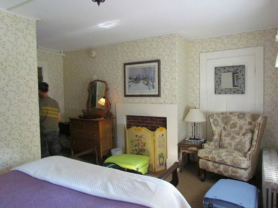 Spruce Moose Lodge and Cottages: chambre-1