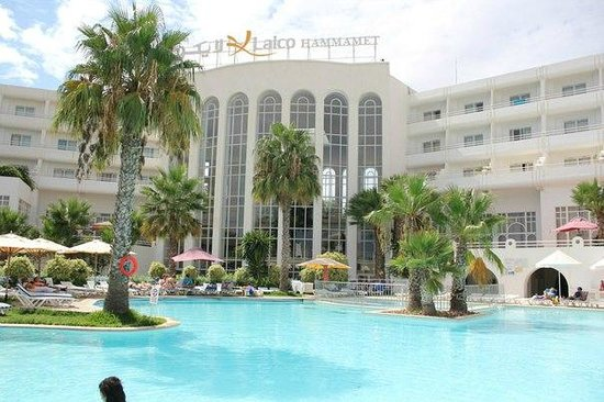 Hotel Laico Hammamet : Вид на отель и бассейн