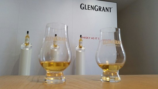 Glen Grant Whisky Distillery and Garden: Great tasting!