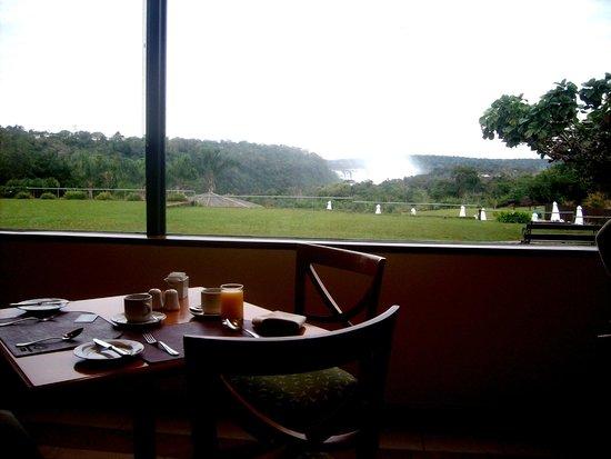 Sheraton Iguazu Resort & Spa: Desayunando con la vista en la garganta