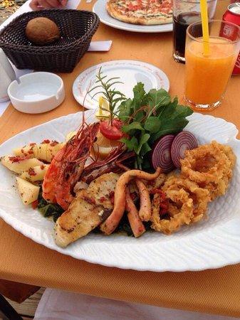 Elegance Hotels International, Marmaris: Seafood platter.
