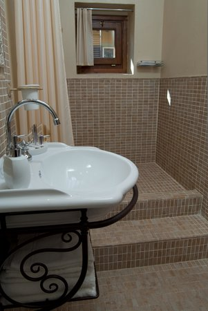 B&B Casa Leopardi: bagno camera