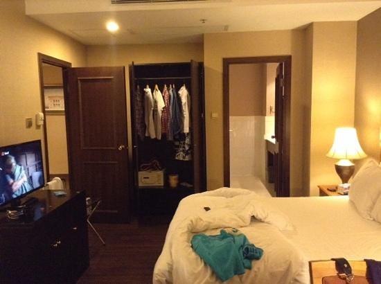 Best Western Plus Hotel Hong Kong : harbour view suite