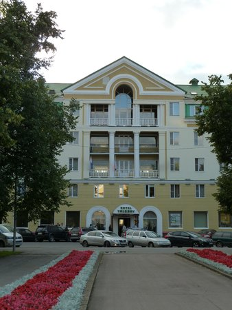 Volkhov Hotel: Фасад