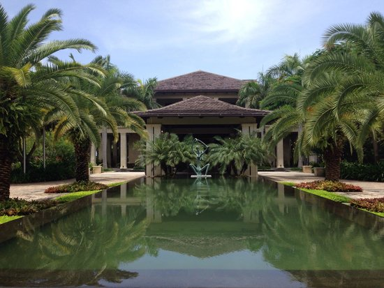 The St. Regis Bahia Beach Resort: Plantation House