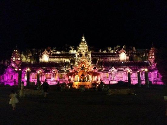 Phuket FantaSea: The elephant temple (theatre)