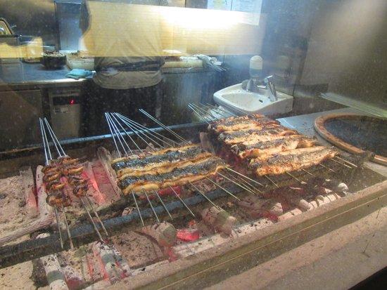 Hitsumabushi Nagoya Bincho, Lachic: grilled eel
