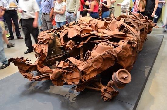 Museo Imperial de la Guerra: Baghdad car wreck....i think..