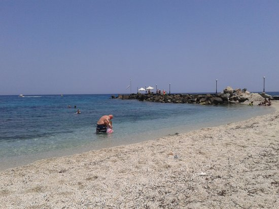 AKS Annabelle Beach Resort : beach
