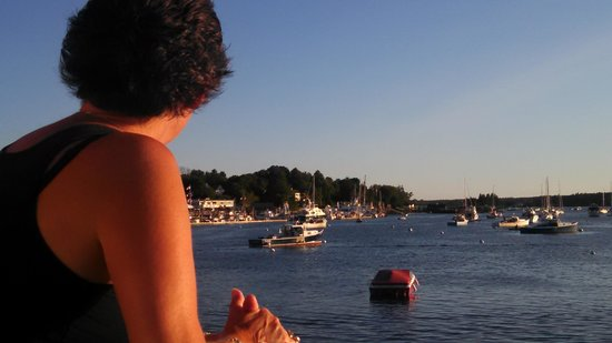 Dockside Grill: Wife Gazing at the sights before dinner on the deck