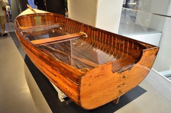 Museo Imperial de la Guerra: The smallest D-day vessel.