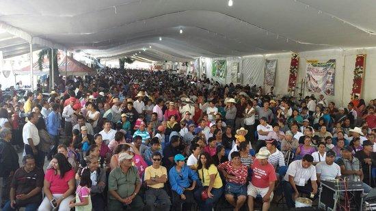 Exconvento de Calpan: Feria anual del Chile en Nogada, frente al Convento de Calpan
