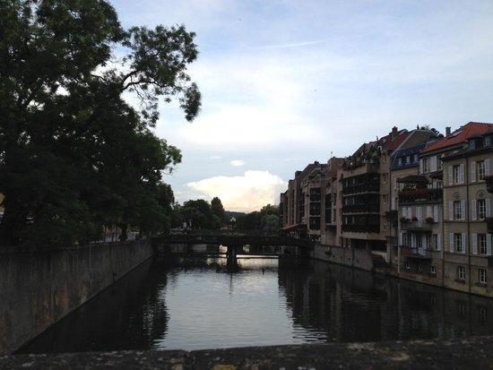Place de la Comédie: La Moselle
