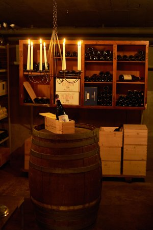 Continental-Park Hotel: bellini cantina - Wine cellar