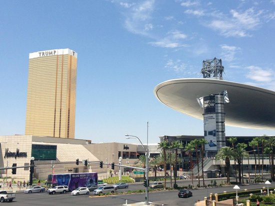 Trump International Hotel Las Vegas: Use the mall as a shortcut to the strip
