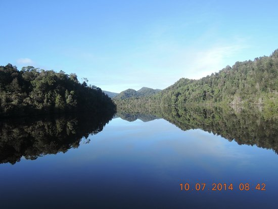 Gordon River Cruises : On the Gordon River