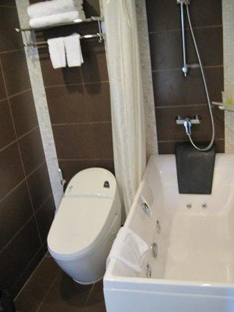 Angel Palace Hotel: la salle de bains