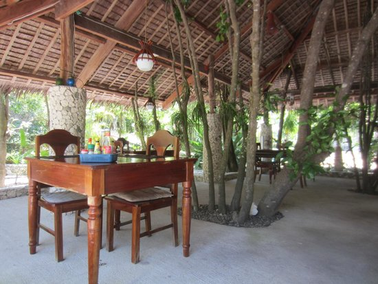 The Blue Orchid Resort : Lots of places to sit, eat, relaxe