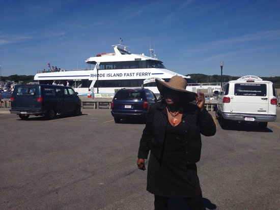 Martha's Vineyard Fast Ferry: Ferry at MV