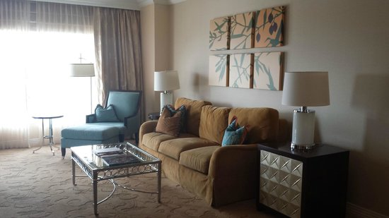 Waldorf Astoria Orlando: Living Area