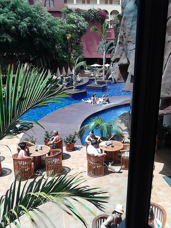 Best Jacaranda: piscina