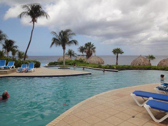 Hilton Curacao: Zwembad