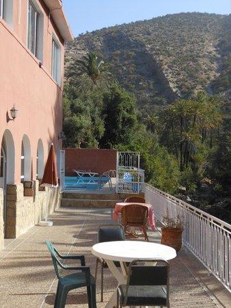 Hotel Restaurant Tifrit : Terrasse
