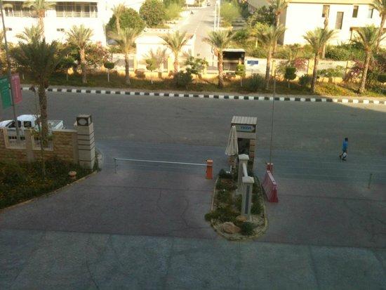 Teda Swiss Inn Plaza Hotel Ain Soukhna: مدخل الفندق من حجرتي