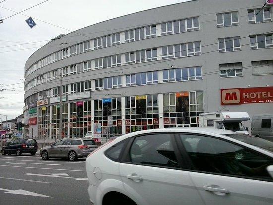 MEININGER Hotel Salzburg City Center: exteriores del hotel