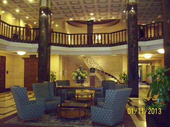 The Chase Park Plaza: Lobby
