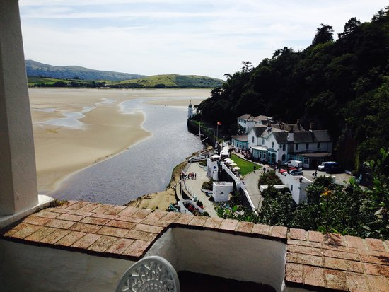 Hotel Portmeirion: View of hotel and estuary from watch house