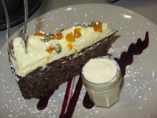 Benesse Espresso Bar: Carrot Cake