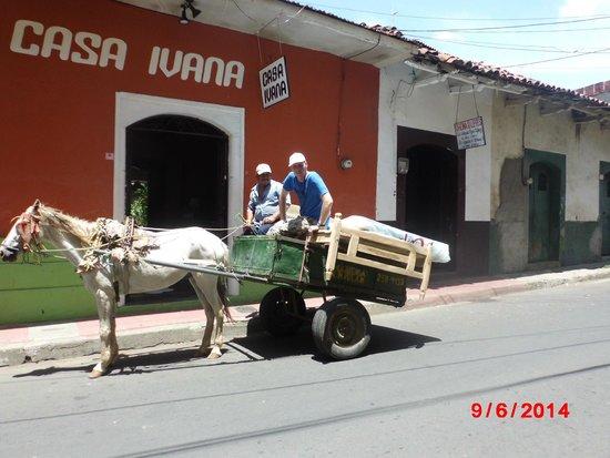 Hostal Casa Ivana: The street