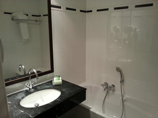 Marivaux Hotel : salle de bains