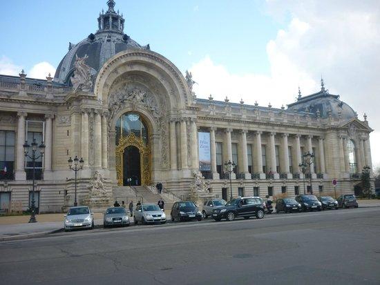 Petit Palais, Musée des Beaux-Arts de la Ville de Paris : Fachada principal del Petit Palais.
