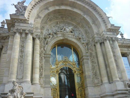 Petit Palais, Musée des Beaux-Arts de la Ville de Paris : Entrada principal del Petit Palais.