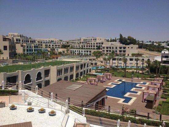 Sunrise Grand Select Arabian Beach Resort: hotel from fish restaurant