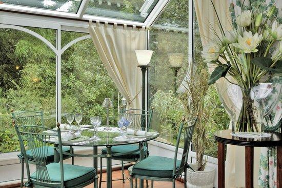 Les Lierres au Parc Victoria : Table Restaurant