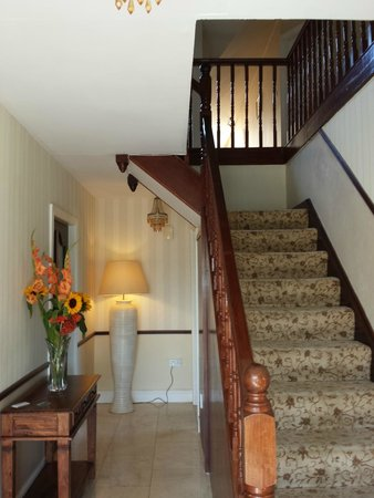 Harbour Hill Farm: Entry Foyer, Stair to the rooms