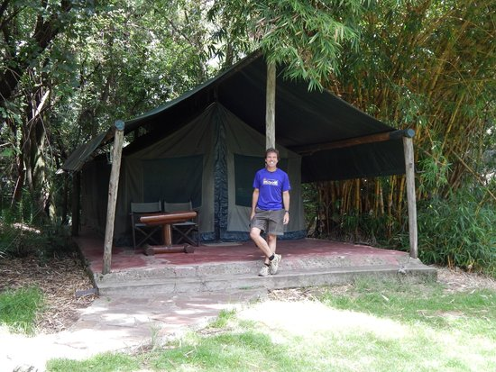 Siana Springs : My son in front of his tent