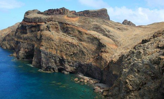 Ponta de São Lourenço: Volcanic cliffs