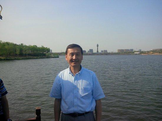 Nanhu Garden: On the boat