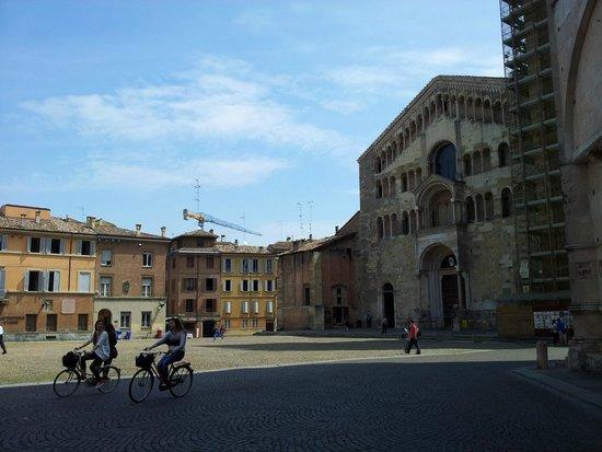 Cattedrale di Parma: Piazza Duomo