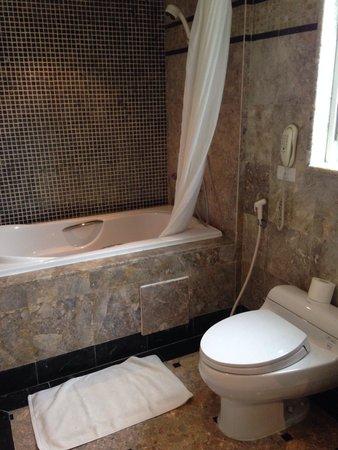 Gondola Hotel: Ванная