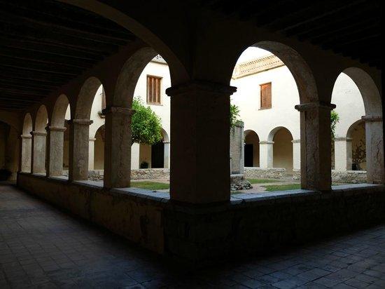 Casa Convent Peralada : cour du cloître
