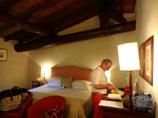 Palazzo Arzaga Hotel Spa & Golf Resort: Zimmer im Dachgeschoss