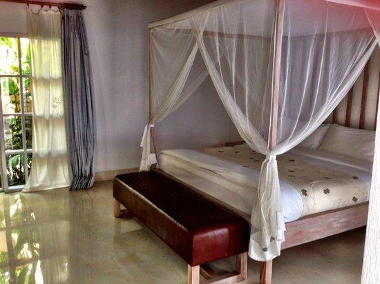 Uma by COMO, Ubud: The canopied bed. Very comfortable!