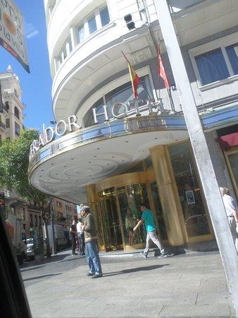Emperador Hotel Madrid: Fachada