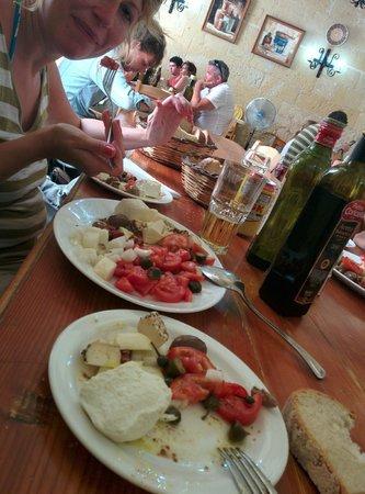 Ta' Rikardu: The Maltese platter... nom nom nom!