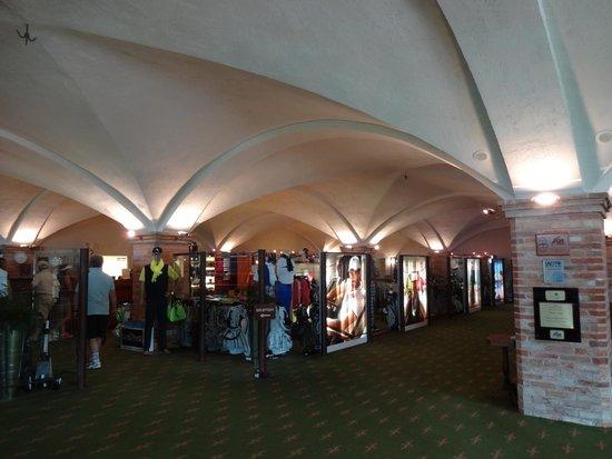 Palazzo Arzaga Hotel Spa & Golf Resort: Golfshop